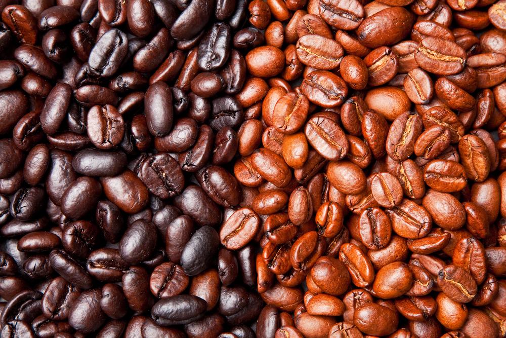 Light Roast vs. Dark Roast Coffee