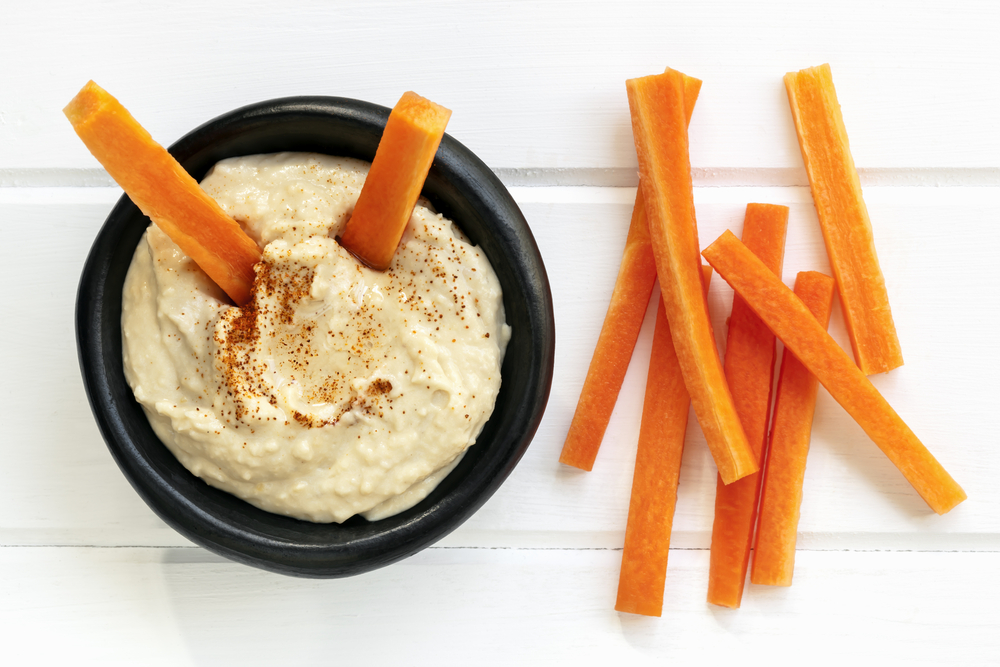 humus with vegetables is a good high protein snack